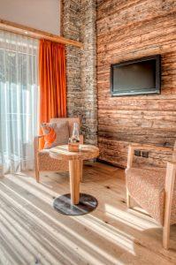 Zimmer mit Stein und Holz Phoenix Zermatt