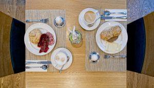 Tolles Frühstück im Hotel Phoenix in Zermatt