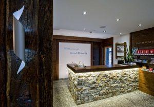 Rezeption Hotel Phoenix Zermatt